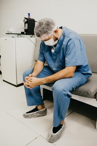 2 etaty pielęgniarki i praca z pacjentami zakażonymi covid-19